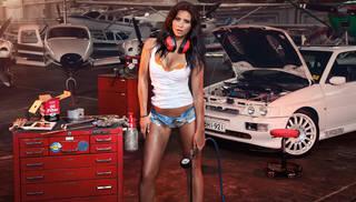 Menina auto mecânico.